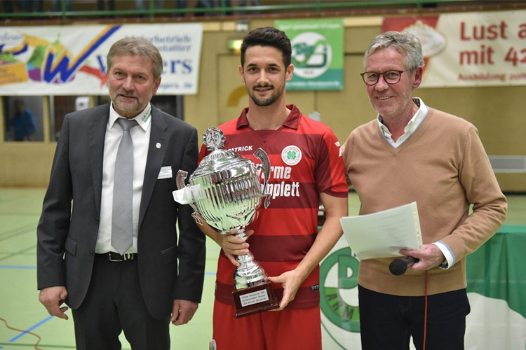 Pokalübergabe Sieger Oberhausen